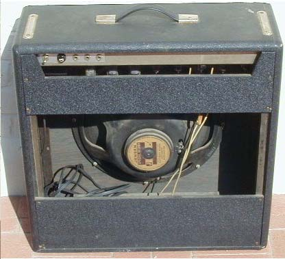 Japanese Tube Guitar Amp 15 Jensen Special Design Speaker 220512 Tubes Are 1 6CA4 5 12AX7A 2 6973 Channels Both Have Bright And Normal